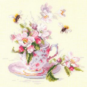 """Набор для вышивки крестом Чудесная игла """"Чашка с веткой яблони"""" 120-041"""