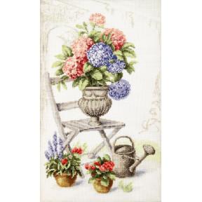 Набор для вышивки  крестом Чарівна Мить Летний натюрморт с гортензией М-360