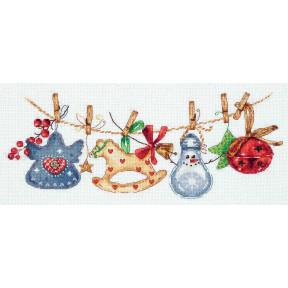 Набор для вышивки крестом Panna Праздничная гирлянда ПР-7085