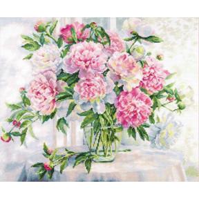 Набор для вышивки крестом Алиса Пионы у окна  2-51